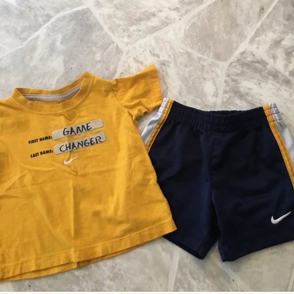 Baby boys 12 month Nike 2 piece outfit